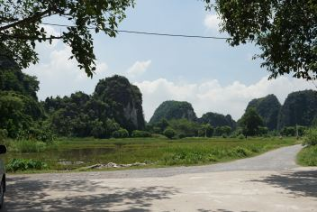 The scenery outside Thai Vi Temple