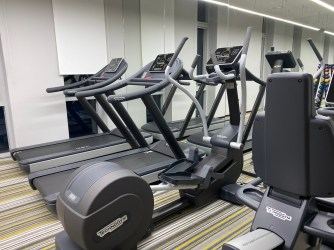A small gym in the hotel