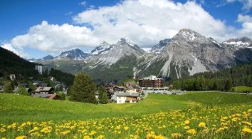 hiking_tours_in_switzerland_arosa_kulm_in_summer-622
