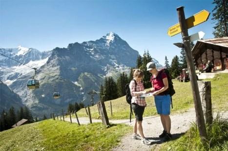 JUNGFRAU REGION - Wanderung in der Region First mit Eiger. Hike in the First area with the Eiger. Copyright: Jungfrau Region By-line:swiss-image.ch/Mattias Nutt