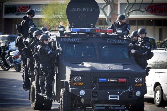 Do Not Resist: un documentaire effarant sur le joug policier