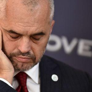 """Edi Rama flet për prestigjiozen """"Politico"""": BE-ja rrezikon të përballet me një """"makth"""" nëse shpresat e Ballkanit shuhen dhe ballkanasit """"çmenden"""". Nuk e përjashtoj bashkimin me Kosovën, nëse…"""