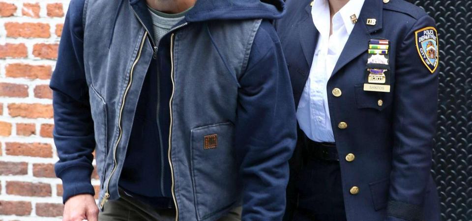 Jennifer Lopez joshëse dhe me uniformë policie