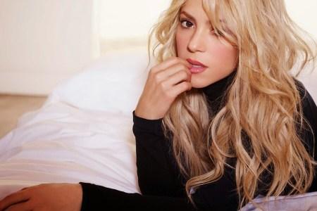 """Shakira hedh në treg këngën e saj më të re """"Me Enamoré"""""""