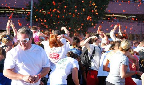 """Spanjë/ Festivali """"La Tomatina"""", gati 160 tonë domate"""