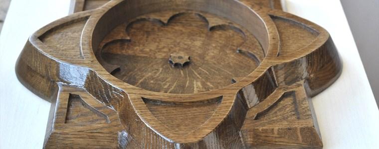Декоративная розетка из дуба