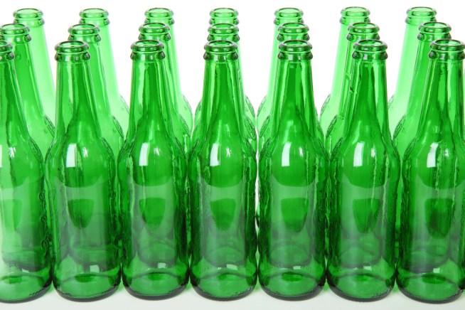 ZERO apresenta calendário com metas para reutilização de embalagens e limitações ao descartável