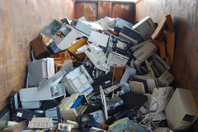 Portugal nem atinge metade da meta de reciclagem de resíduos elétricos e eletrónicos para 2019