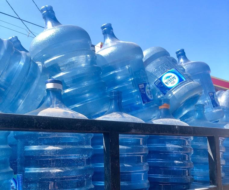 Bouteille d'eau ou eau du robinet : Que choisir ?