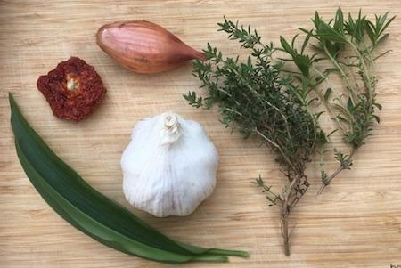 Ingrédients huile aromatisé maison