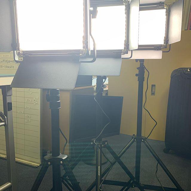 インタビュー撮影等用に照明機材用意してます。.#撮影#動画#動画制作#映像制作#東京#動画編集#ZEROFILM#企業pr動画#pr動画#プロモーションビデオ#映画制作#ビデオグラファー#インタビュー撮影#インタビュー動画#照明機材