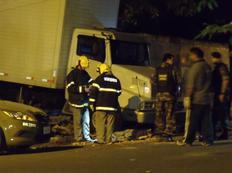 Caminhão desgovernado mata avô e neta em Novo Hamburgo Álisson Coelho/Agencia RBS