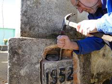 Cápsula do tempo em torre de igreja é aberta 60 anos depois em Mormaço Patric Cunha Strapazzon/Divulgação