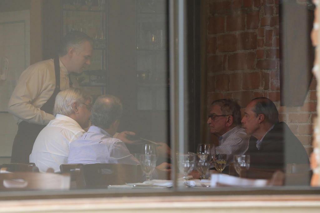 Os bastidores do almoço que uniu Koff e Odone para renegociar contrato da Arena Diego Vara/Agencia RBS