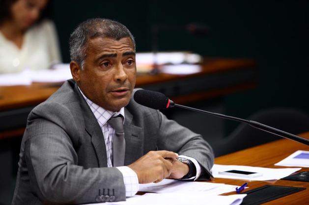 Em programa de televisão, Romário xinga membros da CBF e da Fifa Romário na Câmara/Foto: Antonio Augusto/Câmara dos Deputados
