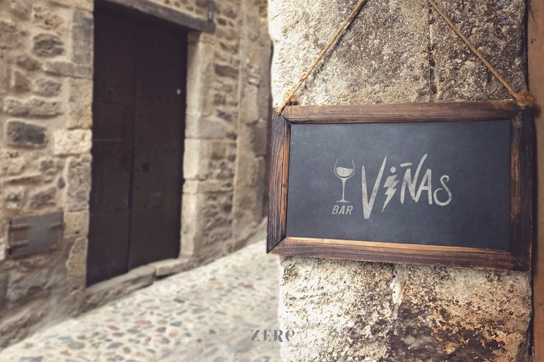 branding design vinas bar