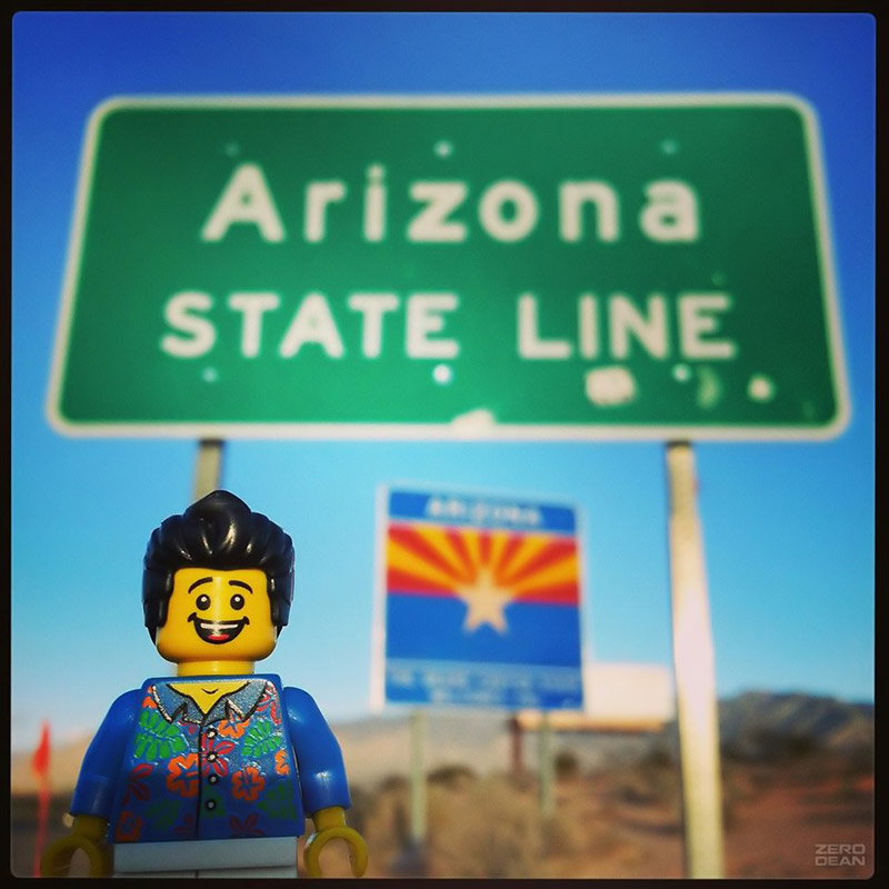 bill-dollar-is-glad-no-one-stole-the-arizona-state-line-sign