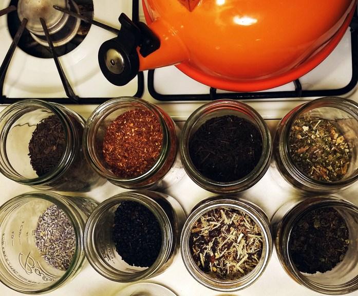 looseleaf tea in jars