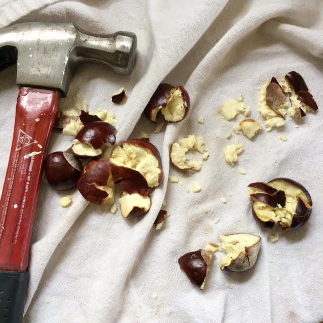 crushed-chestnuts-with-hammer