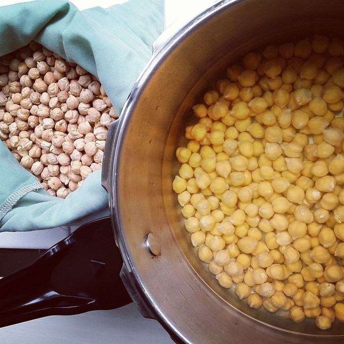 chickpeas soaking