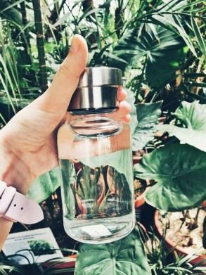 бутилка за вода за многократна употреба