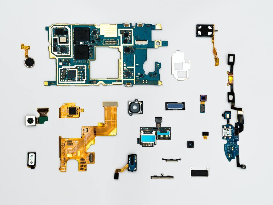 В един тон употребявани iPhone-и можем да открием 300 пъти повече злато, отколкото в тон златна руда