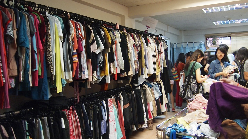 New2U secondhand thrift shop donate old clothes singapore