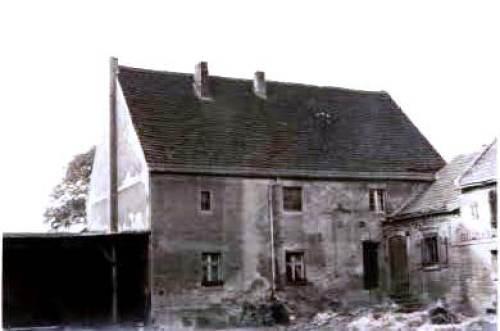 Wohnhaus Hofansicht, links im Bild Remise (nicht mehr vorhanden)