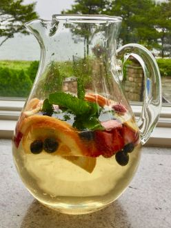 White Fruity Sangria