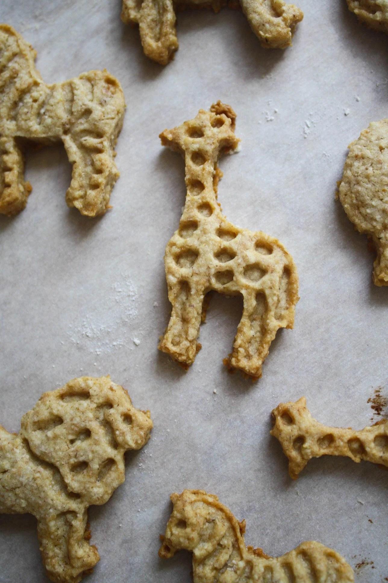 Whole Grain Animal Cracker Cookies | Zestful Kitchen