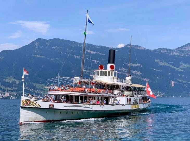 lucerne-lake-boat