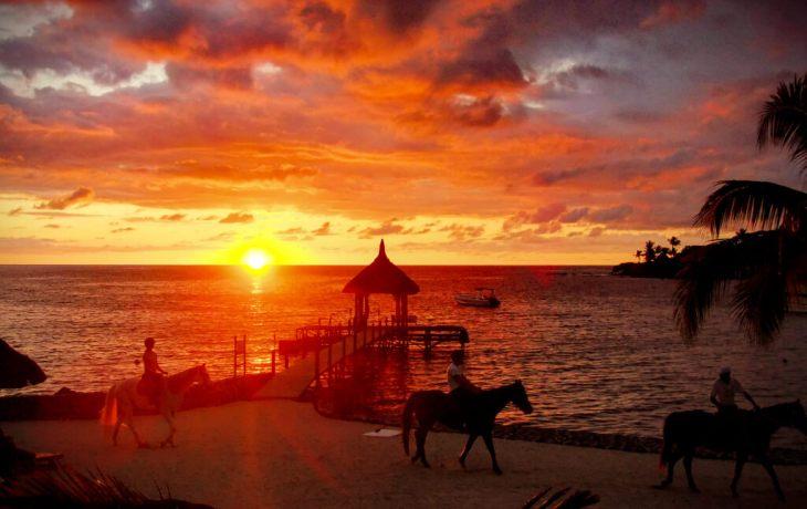 maritim-maruitius-sunset