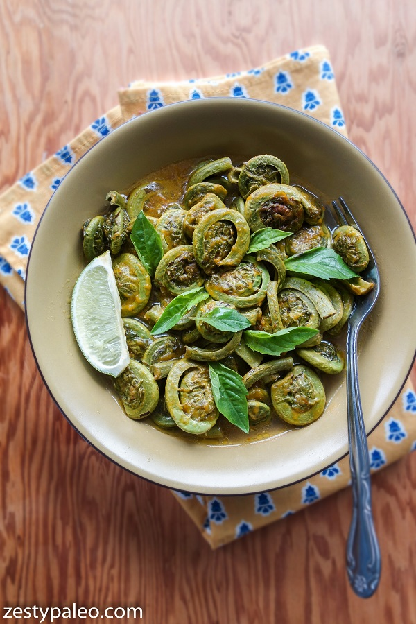 Fiddleheads Sauteed in Nomato Sauce (Nighshade-Free, Vegan, AIP) - Zesty Paleo