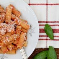 פסטה ברוטב עגבניות וריקוטה