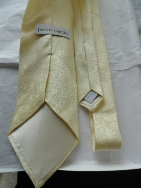 Vintage Men's Pierre Cardin Tie Pale Yellow With Circle Pattern All Silk NWOT