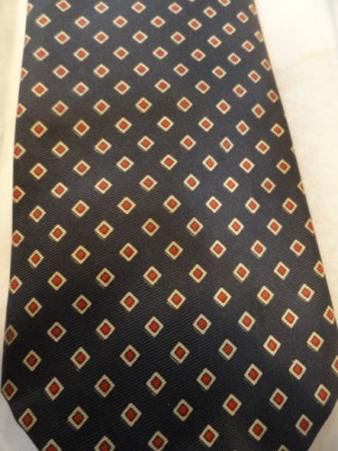 Vintage Men's Cape Cod NECKWEAR Tie Navy Red Diamond 100% Silk Unknown Tag
