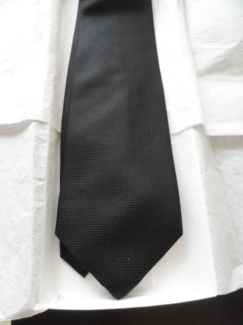 Vintage Men's Van Heusen Tie Black With Polkadots 100% Silk Handmade In China