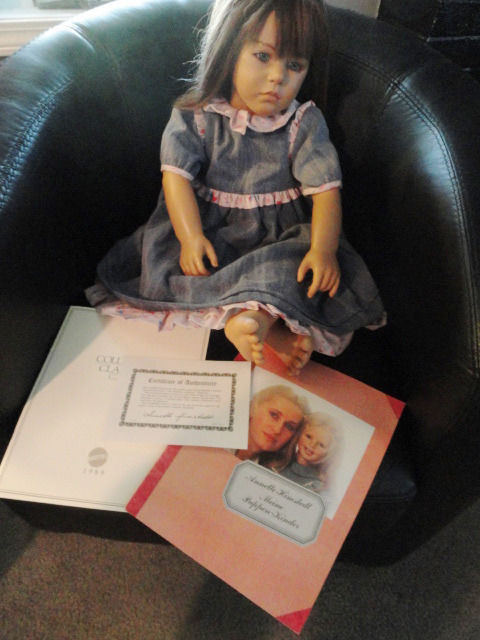 "Annette Himstedt 1986 Friederike 30"" Doll & COA The World Child Collection Books"