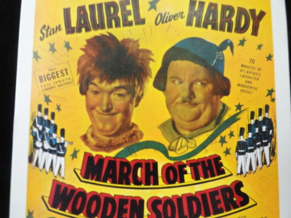 Vtg Postcard Unposted Stan LAUREL Oliver HARDY March Of The Wooden Soldiers