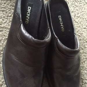 "DKNY Slip On Black Leather Shoes Brazil 2 1/2"" Heel Size 6 NWOB"