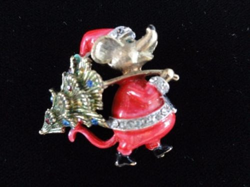 Vintage 1960's  J. J.  Signed Christmas Mouse With Tree Rhinestones  Pin Brooch