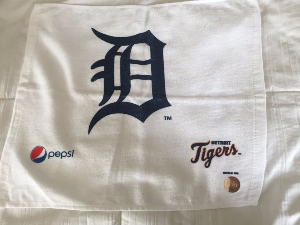 Detroit Tigers BDA/MLBP 2009 World Series Holagram Rally Towel Pepsi English D