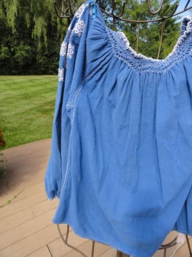Vintage Women's 1975 Handmade Romanian Long Sleeve Top Blouse Blue Embroidered S