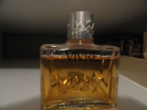 Vintage Perfume VIVRE Molyneax Almost Full Eau de Toilette France