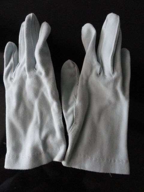 Vintage Ladies Lite Baby Blue Cloth Gloves 6.5 Pearl Buttons Preowned Ex Cond