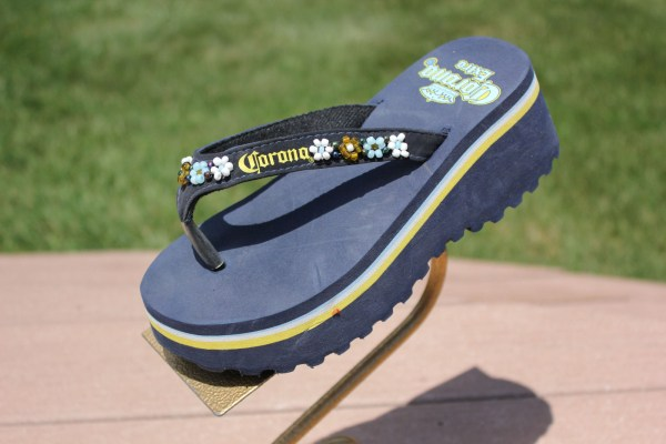 "Women's Corona Extra Beaded Flower 2"" Flip Flop 2006 Official License Beer 6.5"