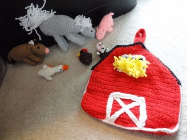 Hand Crochet Barn Farm 5 Animals Tote Toys Cow Rooster Duck Pig Horse Farmer