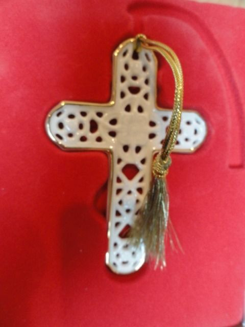 "Lenox Pierced China Cross Ornament #6119820 Christmas Gold Trim NIB 4"" x 2 1/2"""