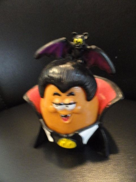 McDonald's Halloween McNuggets Dracula 1992 Bat Hair Hat 3 Pieces Great Cond