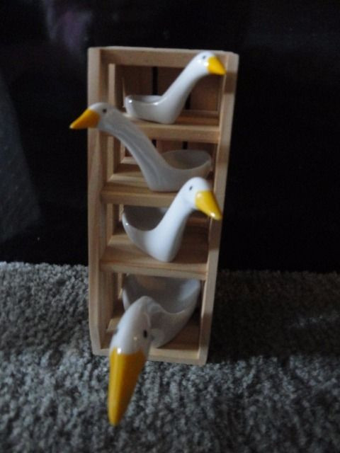 Vintage Avon Ceramic & Wood Stand Duck Swan Geese Set Of Measuring Spoons NIB